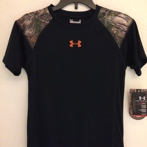 NEW Under Armour Realtree CAMO HEATGEAR Tee Boys 6